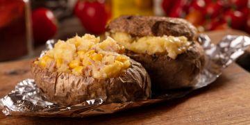 Cartofi la cuptor umplut cu ton
