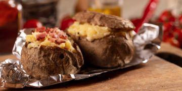 Cartofi la cuptor umplut cu şuncă